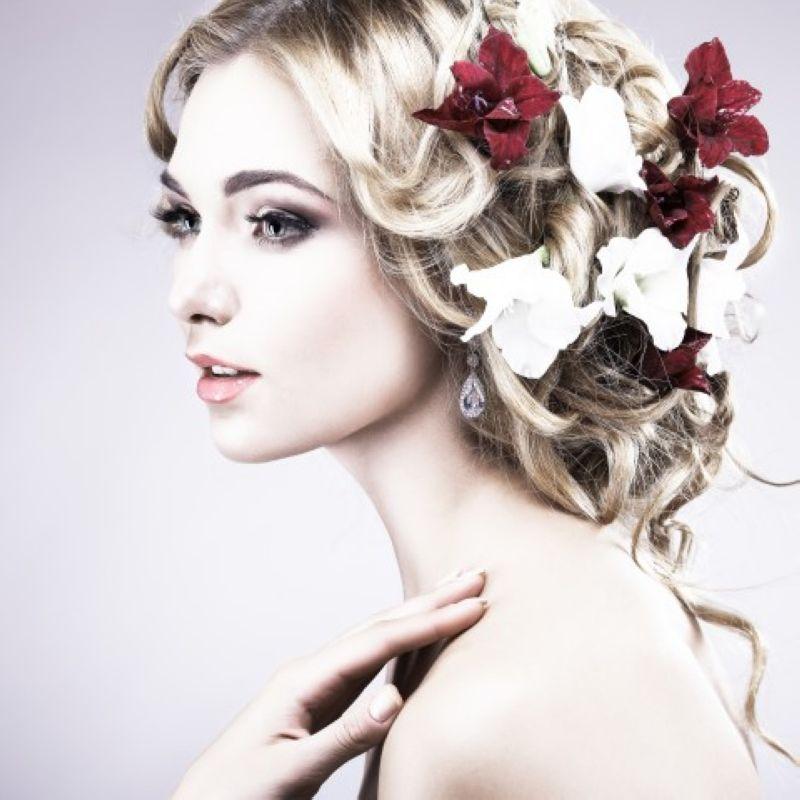 Причёска свадебная в круглосуточном салоне красоты в Москве на Тверской