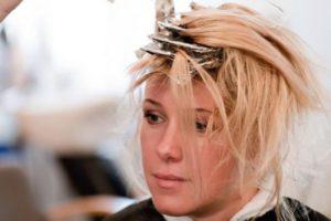 Мелирование корней волос в круглосуточном салоне красоты в Москве на Тверской