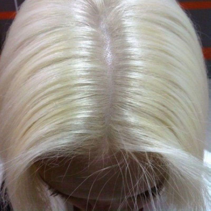 Окрашивание корней волос краской клиента в круглосуточном салоне красоты в Москве на Тверской