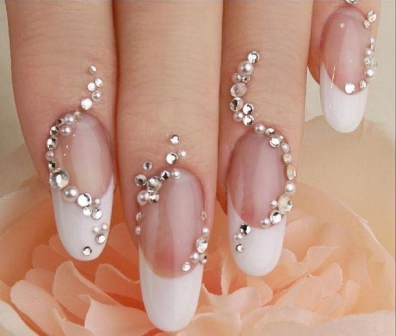 Страз 1 шт. на ногти рук в круглосуточном салоне красоты в Москве на Тверской