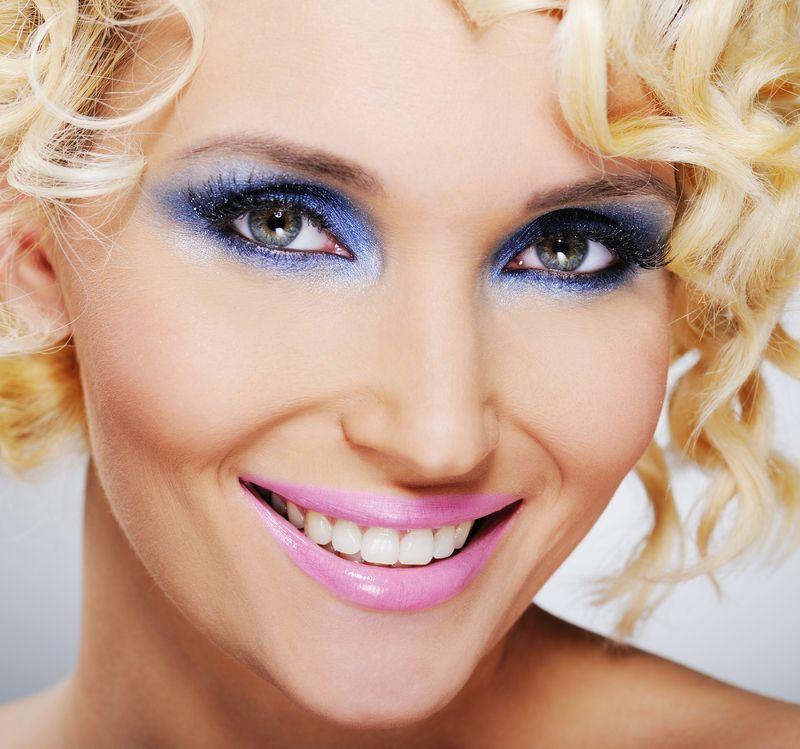 Make up дневной в круглосуточном салоне красоты на Тверской